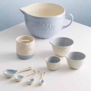 Measuring Cups, Spoons & Jugs