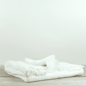 Simo Warm White Large Textured Throw